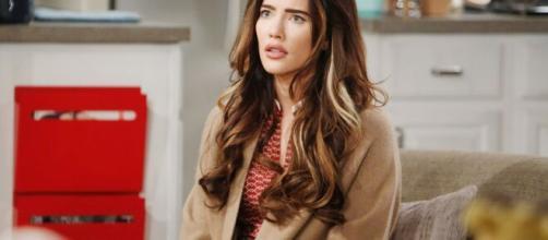 Beautiful, anticipazioni Usa: Steffy confessa a Hope che è stato Thomas a indurla a baciare Liam.