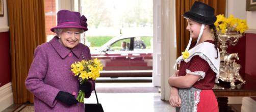 La reina Isabel II ha subrayado la tristeza que existe en la familia real por las revelaciones de Harry y Meghan (Twitter, @RoyalFamily)
