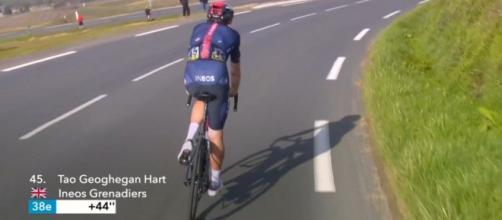 Tao Geoghegan Hart dopo la caduta alla Parigi - Nizza.