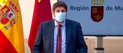 El presidente de la Región de Murcia, Fernando López Miras, este viernes (YouTube)