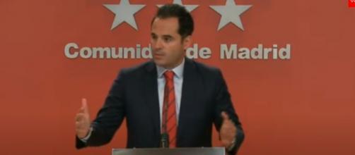 Ignacio Aguado ha criticado que el 'ordeno y mando' fuera la forma de gobernar de Ayuso (Youtube, El Mundo)