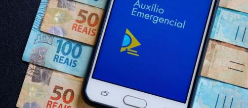 Calendário para pagamento do auxílio emergencial pode iniciar em abril (Arquivo Blasting News)