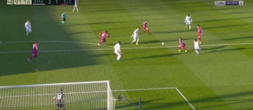 Vidéo : le 'bombazo' de Karim Benzema sauve le Real Madrid. Capture d'images BeinSport