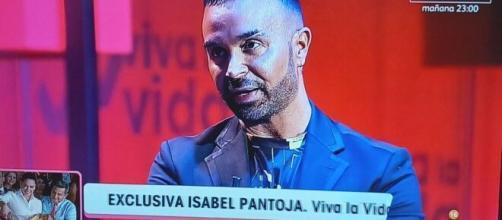 Luis Rollan confiesa en el programa 'Viva la vida' que ha roto su amistad con Isabel Pantoja. (Captura de pantalla)
