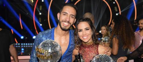 Pérola Faria e Fernando Perrotti foram os vencedores da quarta temporada do programa (Reprodução/Record TV)