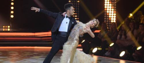 Vinícius D'Black e Carol Dias foram os vencedores da quinta temporada do programa (Reprodução/Record TV)