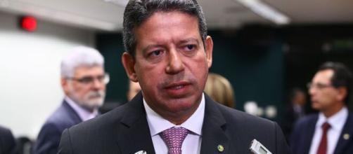 Arthur Lira disse que ainda não teve tempo de examinar pedidos de impeachment contra Bolsonaro (Antonio Augusto/Câmara dos Deputados