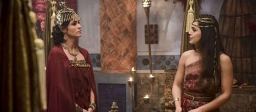 Chetiça e Shakia em 'Gênesis' (Foto: Reprodução/Record TV)