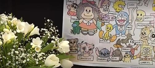 El los dibujos que hicieron los alumnos en homenaje a la maestra fallecida en Marbella. (Captura de pantalla)