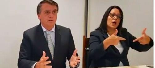 Bolsonaro na live desta quinta-feira (19) (Reprodução/YouTube)