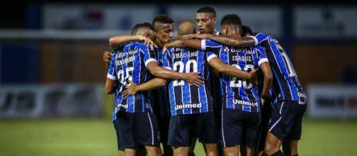 Com salários altos no grupo, o Grêmio possui entraves para trazer novos jogadores (Lucas Uebel/Grêmio)