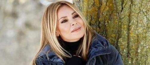 La actriz Ana Obregón celebra su 66 cumpleaños sin superar la muerte de su hijo Aless (Twitter @premios_yago)