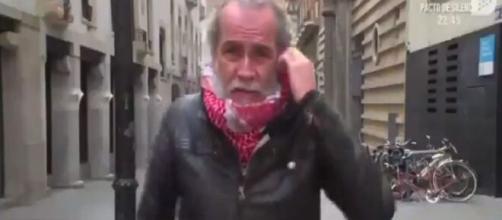 Willy Toledo en imagen de vídeo. (Captura Twitter @todoesmentiratv)