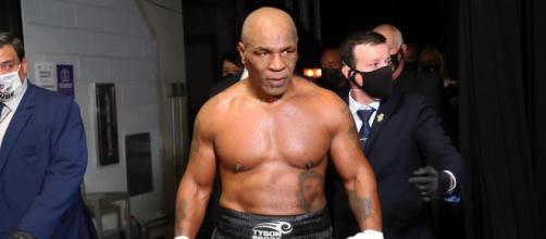 Mike Tyson in occasione del suo ritorno sul ring lo scorso 28 novembre.