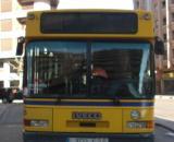 Una joven pasajera sostuvo el volante del autobús mientras su conductor estaba desmayado, evitando un grave accidente. (Foto: Flickr)