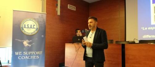 L'allenatore italiano Marco Ragini.