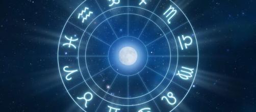 Previsioni oroscopo per la giornata di venerdì 5 marzo 2021.