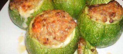 Ricetta zucchine ripiene, una pietanza molto gustosa e originale