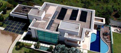 Vista aérea da mansão comprada por Flávio Bolsonaro (Reprodução)
