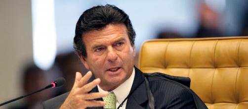 Luiz Fux pede que Bolsonaro se explique sobre declaração de estado de sítio (Agência Brasil)