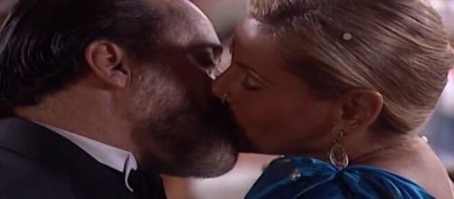 Miguel e Helena em 'Laços de Família' (Reprodução/TV Globo)