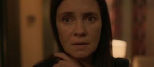 Lurdes se desespera com medo de 'perder' Danilo em 'Amor de Mãe' (Reprodução/TV Globo)