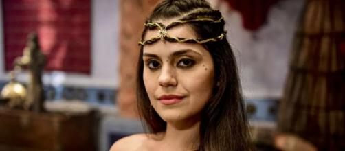 Shakia em 'Gênesis' (Fotomontagem/Reprodução/Record TV)