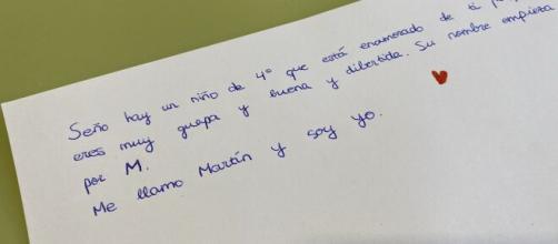En la carta el niño confiesa que su maestra le parece guapa y divertida. (Fuente: Twitter: @Katia_rca)