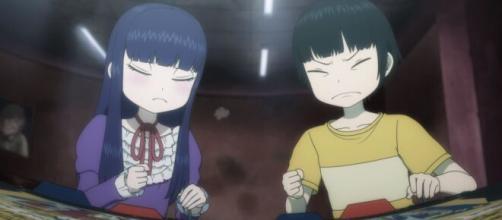 Haruo e Akira si sfidano a Street FIghter II.