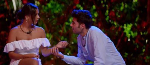 Hugo y Lara deciden continuar su relación tras su paso por 'La isla de las tentaciones' (Twitter @Telecincoes)