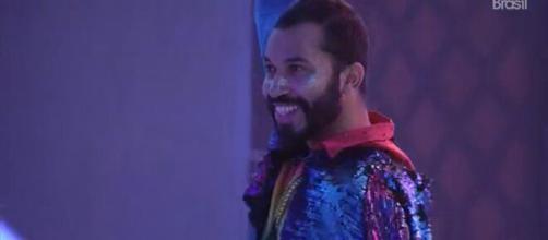 Gilberto escolheu o tema arco-íris para celebrar sua festa no 'BBB21' (Reprodução/TV Globo)