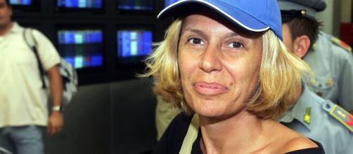 Monica Leofreddi tweet sulle ospitate di Maria Teresa Ruta: 'Benefici al portafoglio'.