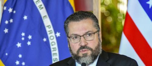 Ernesto Araújo está sofrendo pressão para que saia do governo (Reprodução/U.S. Department of State)