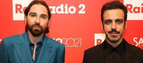 Colapesce e Dimartino, il video della canzone 'Musica leggerissima' - sky.it
