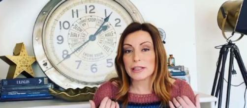 Lucia Borgonzoni durante la breve diretta Facebook dedicata a Leonardo Da Vinci