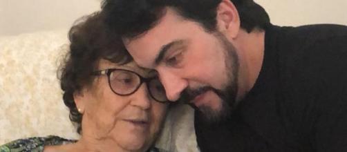 Padre lamenta morte da mãe (Reprodução/Instagram)