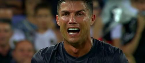 Cristiano Ronaldo se fait détruire par Cassano - Photo capture d'écran vidéo Youtube