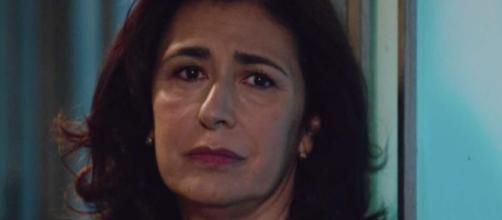 Il Paradiso delle Signore, episodio 5/03: Agnese confessa il suo tradimento al prete Don Saverio.