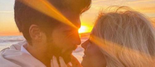 Can Yaman rompe il silenzio su Diletta: 'É un amore leale, il matrimonio? Seguo la spinta'.