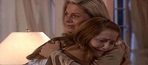 Helena e Íris em 'Laços de Família' (Reprodução/TV Globo)