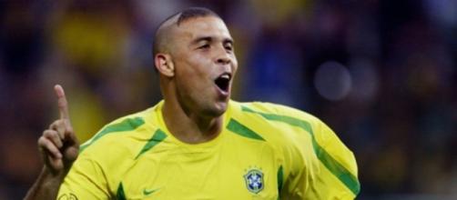 Ronaldo s'excuse après sa coupe de cheveux de 2002 - Photo capture d'écran Twitter GoalFrance