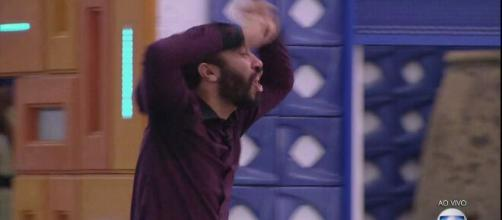 'BBB21': Gilberto sofre com saída de Sarah (Reprodução/TV Globo)