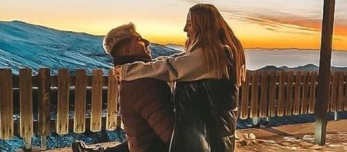 Rocío Flores y su novio Manuel Bedmar. (Instagram @rotrece)