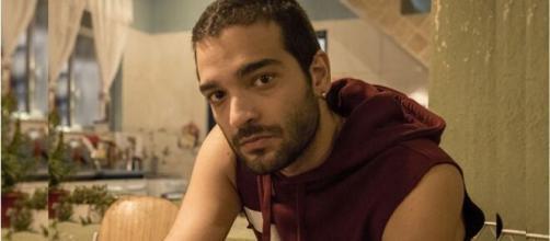 Sandro em 'Amor de Mãe' (Foto: Globo)