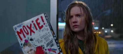 Hadley Robinson em cena de 'Moxie: Quando as Garotas Vão à Luta', novo filme da Netflix (Reprodução/Netflix)