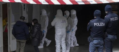 La polizia scientifica sul luogo del delitto di Ilaria Fabbri