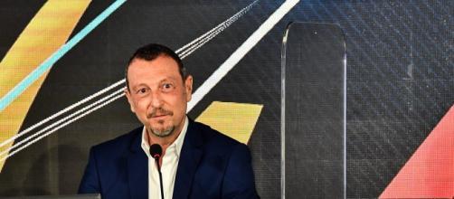 Sanremo, Amadeus sul calo di ascolti: 'Non si può fare senza pubblico'.