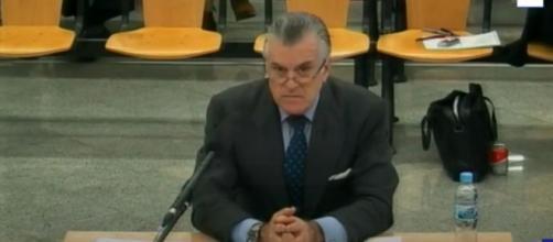 """Bárcenas dice que """"desde que tiene memoria"""" en el PP ha habido gastos excesivos en las campañas (Youtube)"""