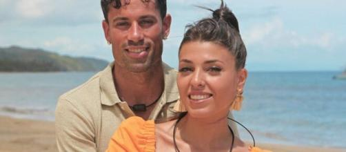 Lola y Diego deciden mantener su participación en 'La isla de las tentaciones'. Twitter @Telecinco