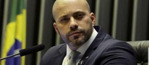 PF afirma que assessores de Daniel Silveira lhe entregaram aparelhos telefônicos na cadeia (Agência Brasil)